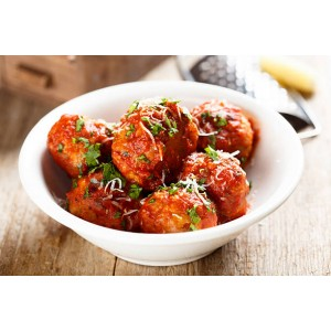 Albondigas de carne molida en salsa de tomate natural