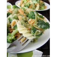 Ensalada Fria- Pasta con brocolí, zanahoria y cebolla morada